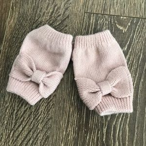 Light Pink Bow Fingerless Mittens.